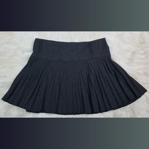 Dresses & Skirts - Dark Gray Pleated Short Mini Skirt Size Large